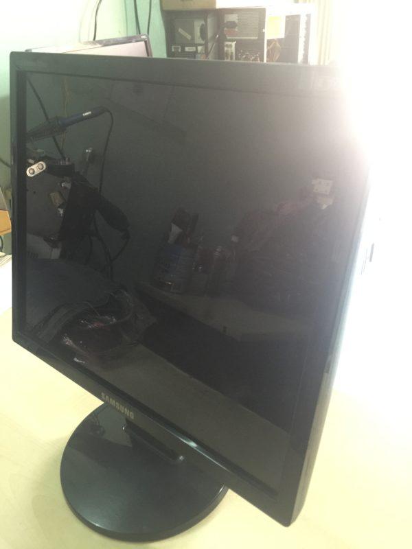 man-hinh-may-tinh-LCD-Laptop-PC-11